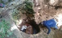 Su kuyusuna düşen ineği AFAD ekipleri kurtardı