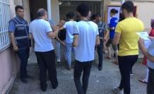 YKS'ye geç kalanlar kapıda kaldı... 1 dakika ile sınava giremediler