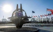 Makedonya'nın NATO'ya katılımı için imzalar atıldı