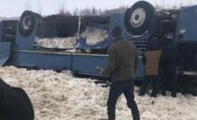 Rusya'da çocukları taşıyan otobüs takla attı