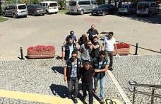 Bursa'da AVM'yi mesken belleyen torbacılara baskın
