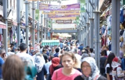 Bursa Kapalıçarşı ve Uzunçarşı'da bayram coşkusu