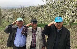 Asker arkadaşları 48 yıl aradan sonra Bursa'da...