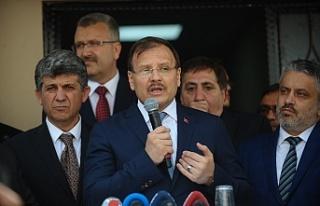 """Çavuşoğlu: """"Önce sen kapının önünü temizle"""""""