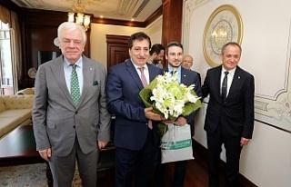 Bursaspor yeni yönetimi ile Vali Küçük'ün...