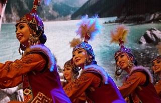 Bursa Altın Karagöz Halk Dansları Yarışması'nda...