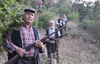 Bursa'da bu köy uyku uyuyamıyor! Silahlanıp...