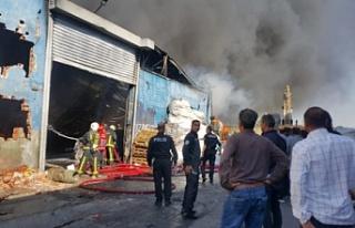 Bursa'da bir plastik fabrikasında çıkan yangın...