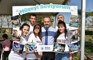 Bursa'da çocukları eğlendirecek şenlik