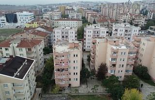 Bursa'da çökme tehlikesi olan bina havadan...