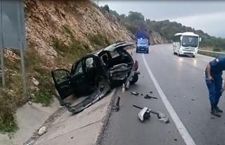 Bursa'da feci kaza ! Otomobil su kanalına uçtu