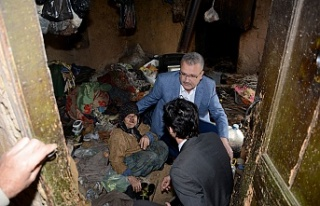 Bursa'da kedileriyle çöp evde yaşıyordu!...