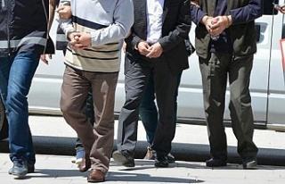 10 ilde FETÖ operasyonu: 4 asker gözaltında