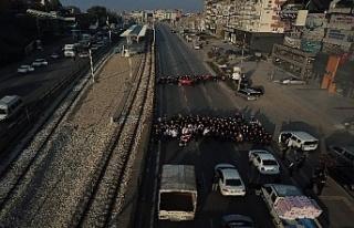 Bursa'da 9,05'te trafiği böyle durdurup...