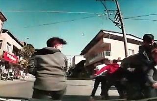 Bursa'da akılalmaz kaza! 5 kişi motora bindiler,...