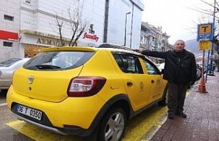 Takside unutulan 46 bin TL'yi sahibine teslim...