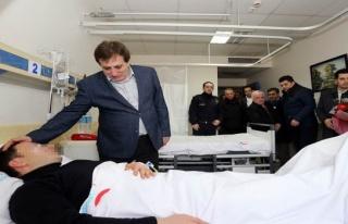 Bursa'daki bombalı saldırıda yaralanan polise Valisi...