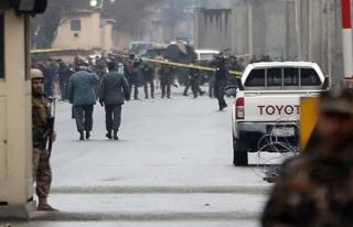 Afganistan'da canlı bomba saldırıları art arda...