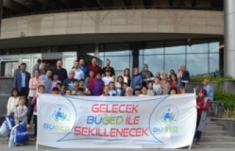 Bursa'da çocukların ilk sinema heyecanı
