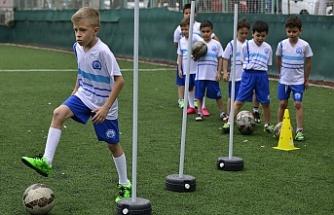 Yıldırım Belediyesini açtığı yaz spor okulları çocuklarımızı çok sevindirdi