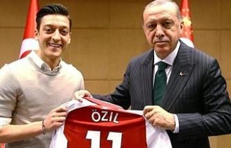 Mesut Özil, faşist Almanya'ya sırtını döndü