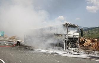 Otobüs, alev topuna döndü