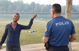 Polis maket değil ceset dedi, vatandaş inanmadı