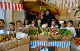 Bursa'da anaokul öğrencilerinden Mehmetçik Vakfı'na anlamlı bağış