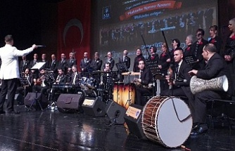 Bursa'da muhteşem konser... Muhtarlar söyledi başkanlar alkışladı