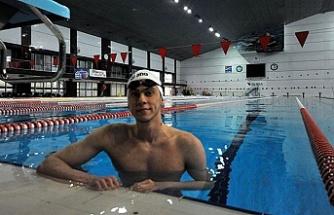 Milli yüzücünün olimpiyat sevinci