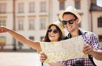 """Bakan Canikli: """"40 milyon kişinin turist olarak ziyaret ettiği bir ülkenin ekonomisini çökertemezsiniz"""""""