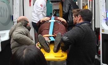 Bursa'da otomobil yaşlı kadına çarptı!