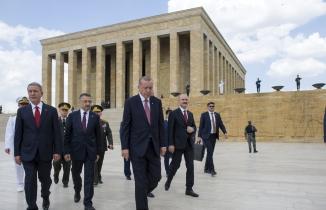 Türkiye'nin ilklere sahne olan YAŞ toplantısı
