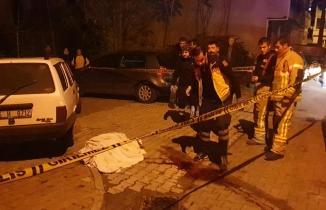 Otomobil karşı yönden gelen motosiklete çarptı, aracın altında kalan kadın 700 metre sürüklendi