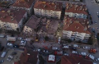 Deprem anı MOBESE kameralarına yansıdı